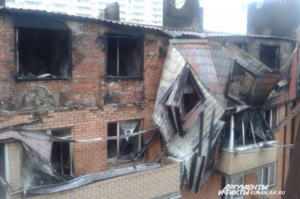 Так выглядит дом после пожара. Фото сделано утром 16 февраля.