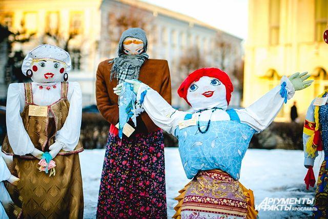 Вцентре Ярославля установят двести масленичных кукол