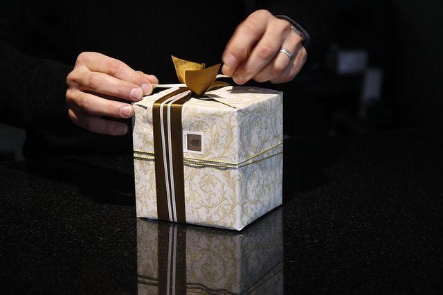 Подарки приятно и получать, и дарить.