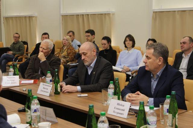 В круглом столе приняли участие депутаты, общественники, архитекторы