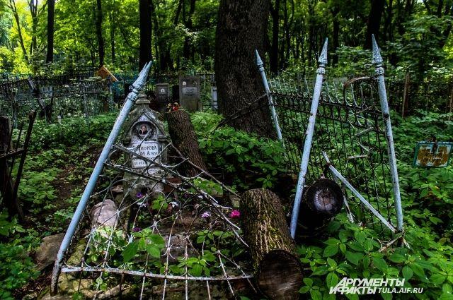 Хохорин про расследование разгрома нататарском кладбище: «Радовать пока нечем»