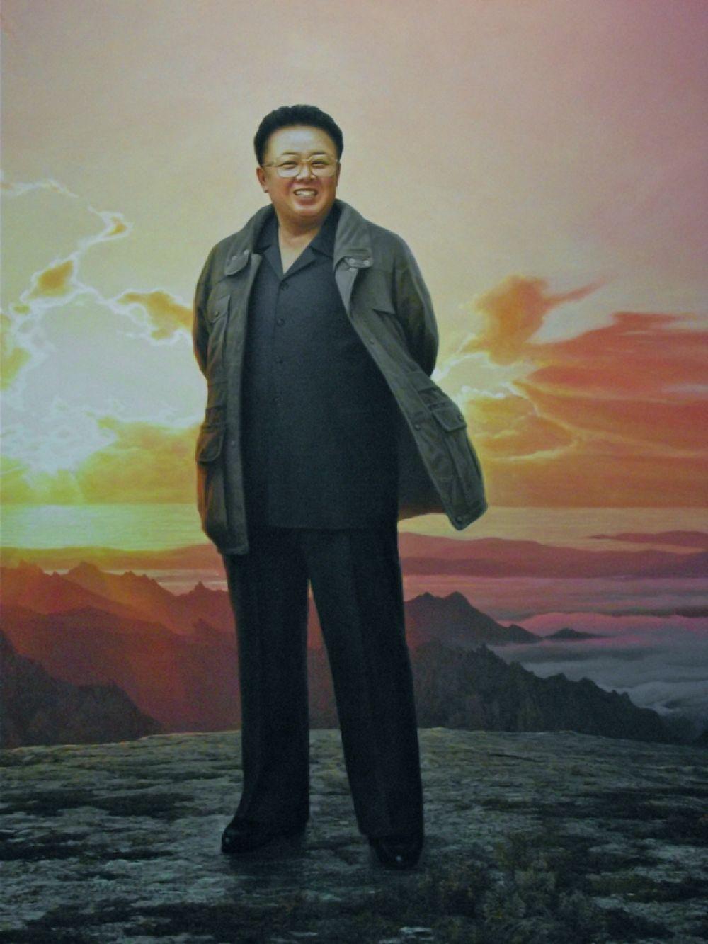 В КНДР считается, что Ким Чен Ир — замечательный композитор, причём шесть опер, авторство которых ему приписывается, были написаны за два года. Его труды «Об идеях чучхе», «О некоторых вопросах, возникающих при изучении философии чучхе», «О киноискусстве», «О литературе, основанной на принципе чучхе» считаются классическими. Считается, что он — великий архитектор, создавший план «Башни Чучхе» в Пхеньяне.