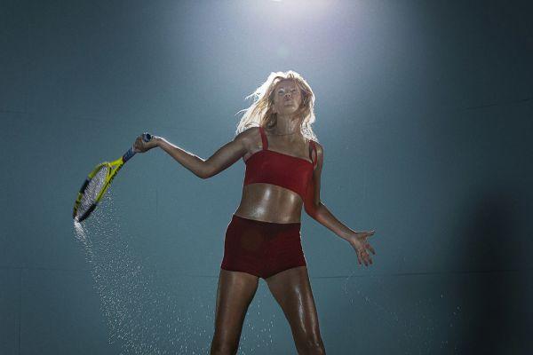 Виктория Федоровна Азаренко из Белоруссии тоже может похвастаться, что была первой ракеткой мира