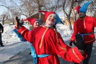 Поучаствовать в традиционных русских забавах сможет любой желающий.