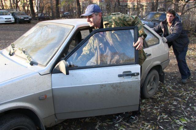 При обрыве ремня машина заглохнет и запустить двигатель вновь не получится.