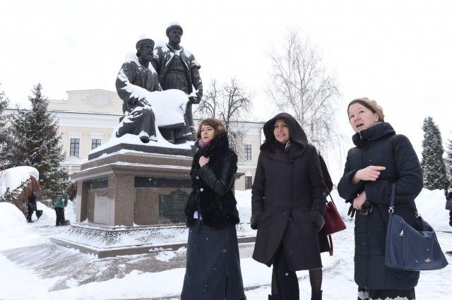 Анн Идальго приехала в Казань на два дня.