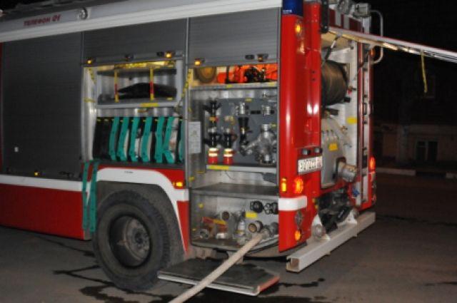 ВПензе пожар на2-м Среднем проезде тушили 21 работник МЧС