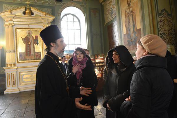 Кроме того, мэр Парижа посетила Благовещенский собор.