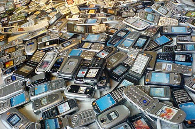 С апреля этого года в Японии начнется прием от населения старых сотовых телефонов и другой техники,