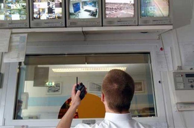 ВМуромской школе, вкоторой обстреляли окна, неработали камеры