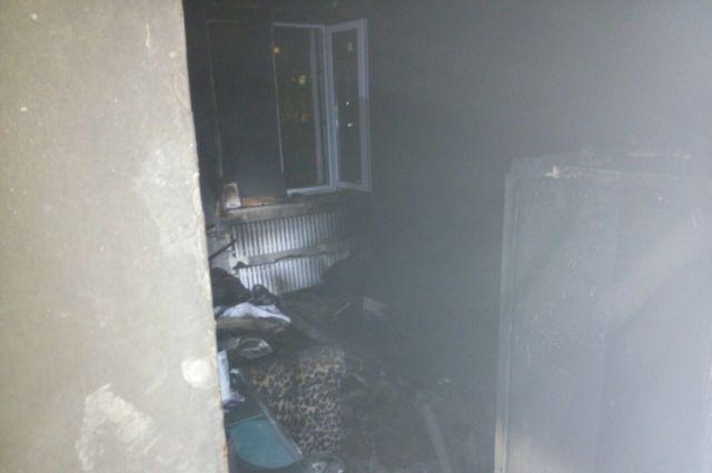 В Оренбурге на пожаре из-за курения едва не погиб мужчина