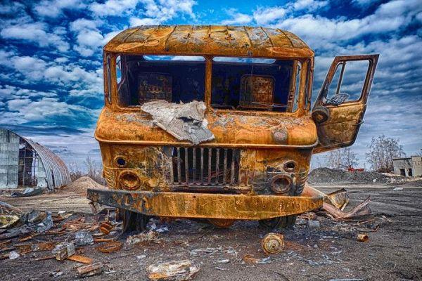 Одно из многих фото, которое передает атмосферу полуразрушенного Донбасса. Номинация - «Зрительские симпатии»