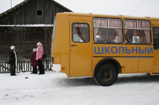 В Оренбурге дети ездили в школу автостопом от нехватки бензина в автобусе