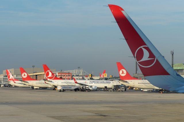 Пассажиров Boeing 777 в аэропорту Стамбула эвакуировали из-за угрозы взрыва