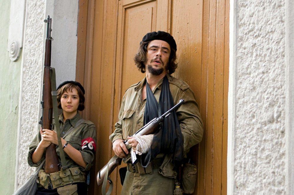 В 2008 году получил приз за лучшую мужскую роль на Каннском кинофестивале за роль легендарного латиноамериканского революционера Эрнесто Че Гевары в биографическом фильме Стивена Содерберга «Че».