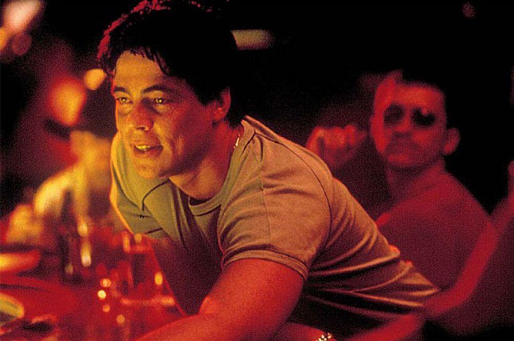 В 2000 году, после двухлетнего перерыва актёр снялся сразу в трёх знаковых фильмах. Криминальная драма Стивена Содерберга «Траффик», сюжет которой построен на проблеме незаконного оборота наркотиков, была удостоена четырёх премий «Оскар».