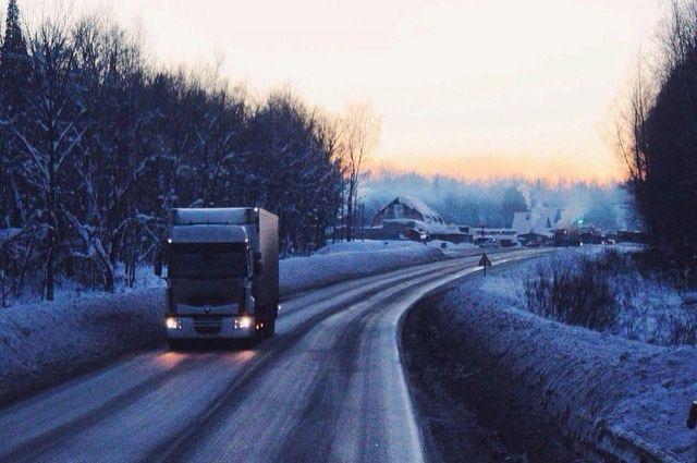 На трассе Оренбург-Орск спасены двое замерзающих мужчин