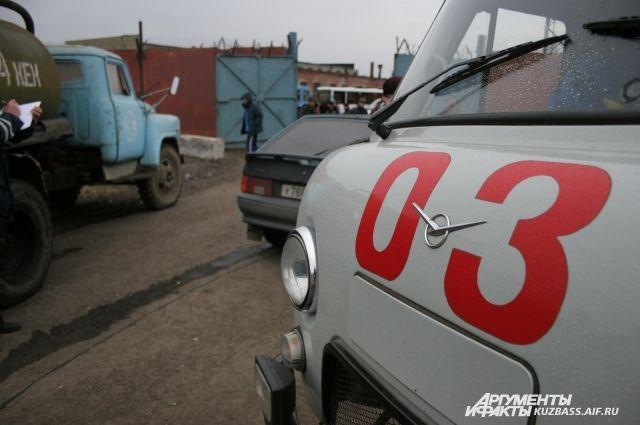 ВНовосибирске шофёр фургона отказался пропустить скорую помощь спациентом