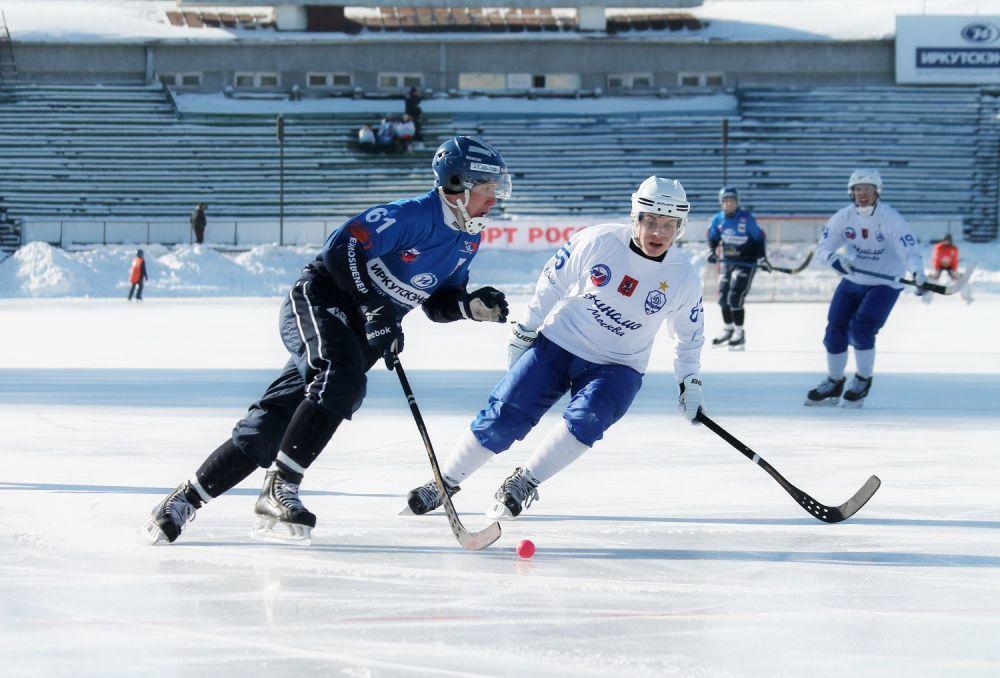 Хоккеисты «Байкал-Энергии» постоянно атаковали ворота соперника.