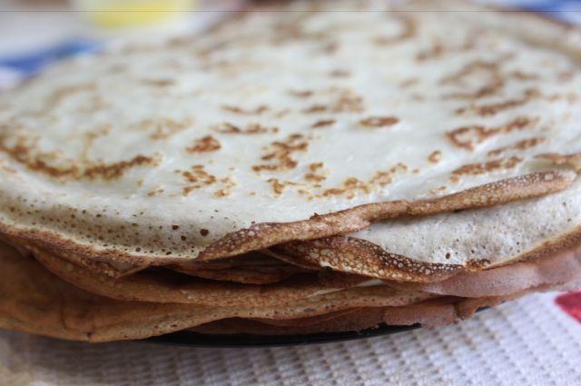 ВЧелябинске начало Масленицы: блины обучают печь даже вавтобусе