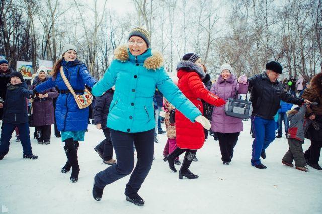Мужчин по всей России будут поздравлять дольше, чем женщин