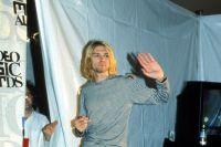 Кобейна не стало в 5 апреля 1994 года.