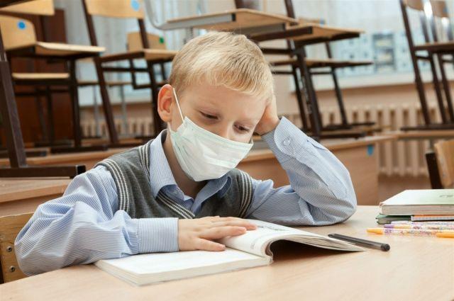 Порог заболеваемости в учреждениях превысил 20%.
