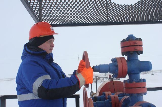 РФ уменьшает добычу нефти сопережением графика