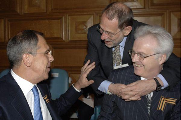 Министр иностранных дел РФ Сергей Лавров, генеральный секретарь Совета Европейского Союза Хавьер Салана и Виталий Чуркин (слева направо) во время министерской встречи в штаб-квартире ООН в Нью-Йорке. 2006 год.
