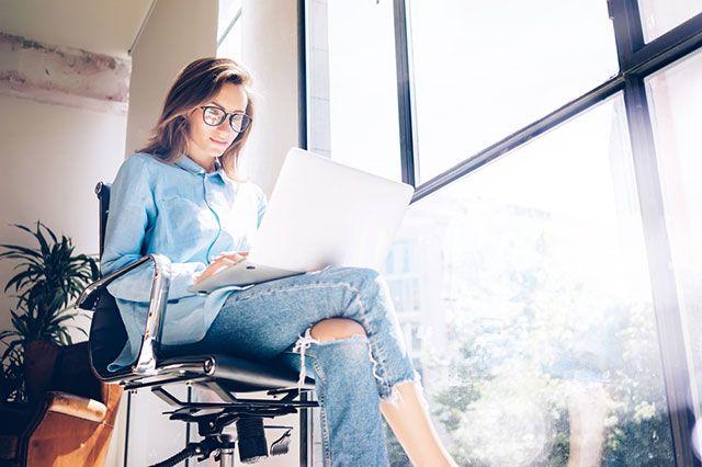 Блогер или блоггер — как правильно?
