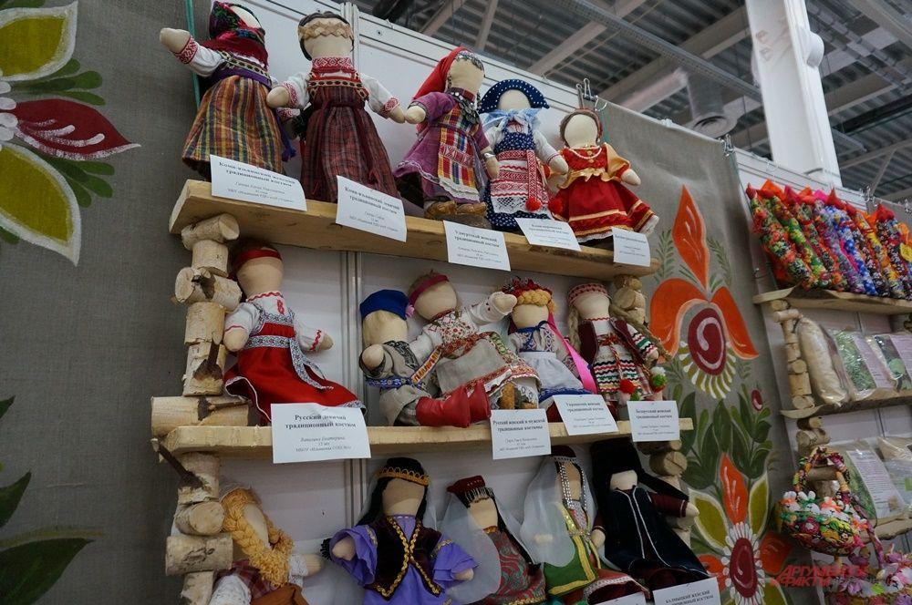 Мастера Ильинского района привезли экспонаты из музея.