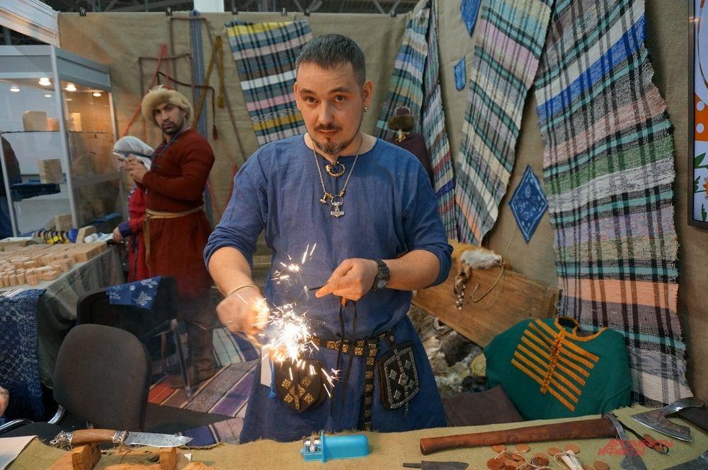 Некоторые мастера устраивали небольшое шоу, чтобы привлечь покупателей.