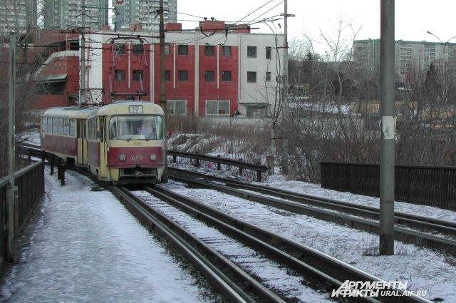 ВЕкатеринбурге энергетики грозятся задолги обесточить трамвайно-троллейбусные линии