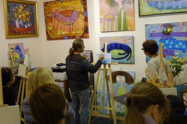 В Москве Сыров не первый год проводит мастер-классы, которые неизменно востребованы.