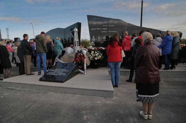 ВВоркуте почтили память погибших годом ранее шахтеров игорноспасателей