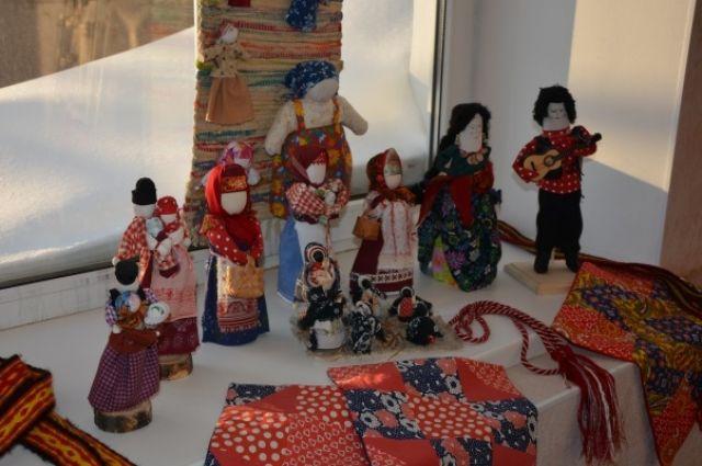 В Оренбург мастерицы научат горожан народным промыслам