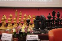 В шахматы надо играть, чтобы не делать ошибок в жизни.
