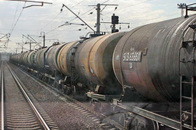 Настанции «Полюстрово» четверо школьников повредили грузовой поезд