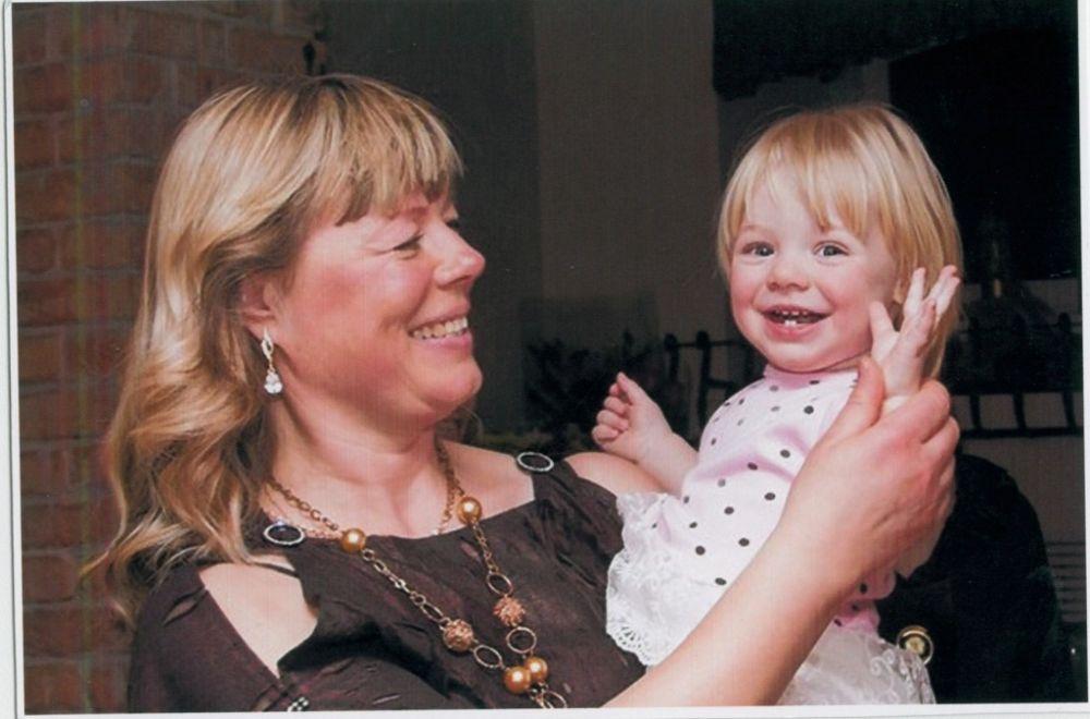 Елена Морозова с внучкой