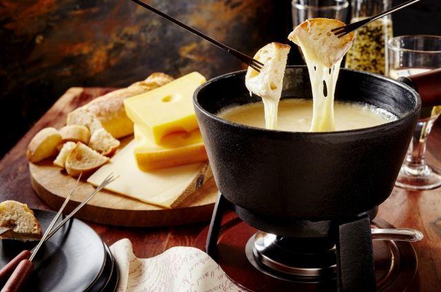 Буратта, рикотта и гауда. 7 блюд из сыра для Масленицы