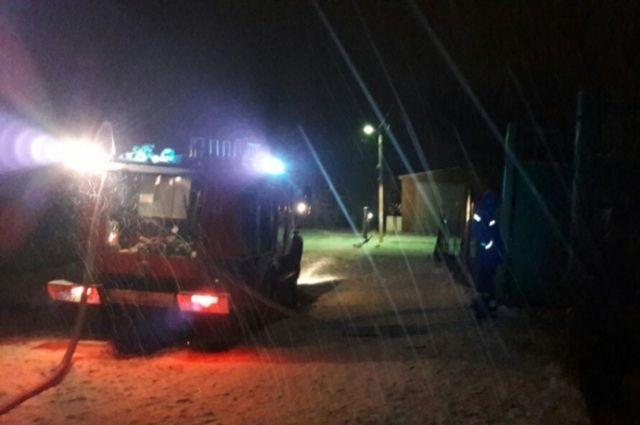 Два человека погибли впожаре в личном доме вРостовской области