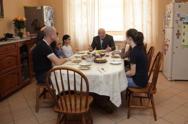 Валерий Шанцев в гостях у семьи Иудиных