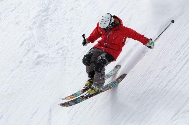 ВФинляндии наЧМ созерцателей рассмешил неуклюжий лыжник изВенесуэлы