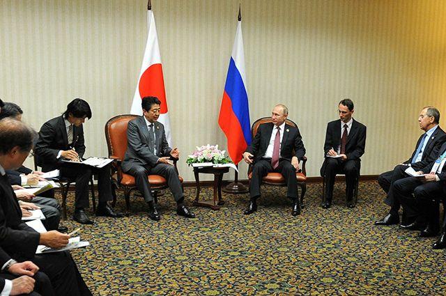Власти Японии прорабатывают дату визита Синдзо Абэ в Россию
