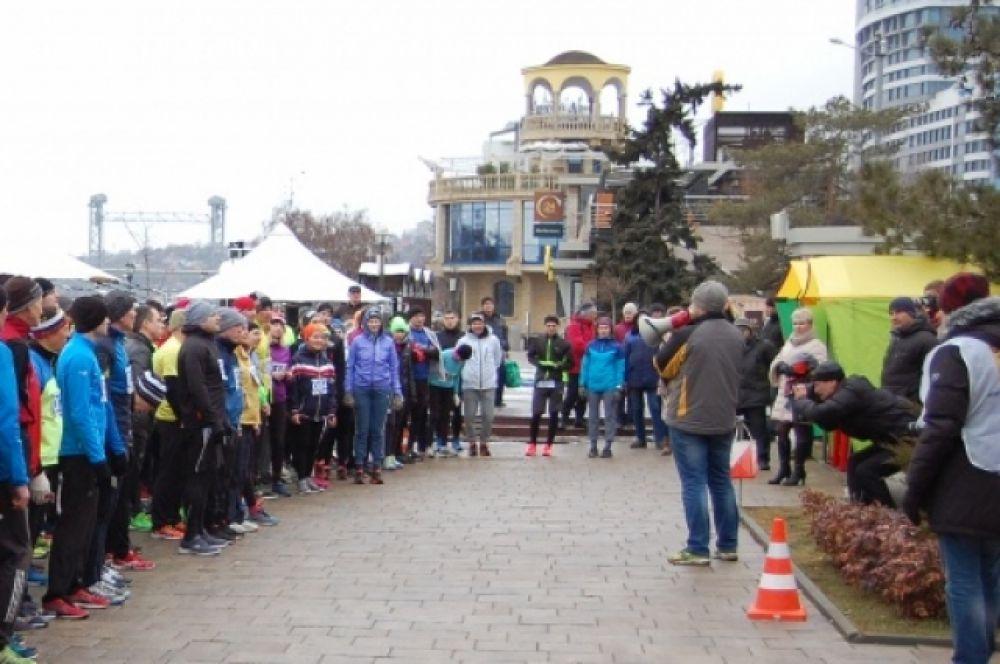 В забеге приняли участие более 150 ростовчан.