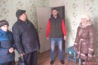 24 февраля в отдел распределения муниципального жилищного фонда обратились несколько семей.
