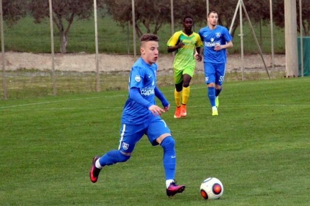 Контракт с «Балтикой» заключил 16-летний Дмитрий Захаров.