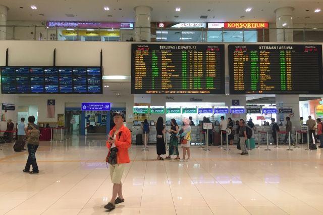 Полиция попросила продезинфицировать аэропорт Куала-Лумпура