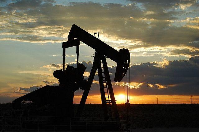 Стоимость нефти Brent выросла до $56,64 за баррель