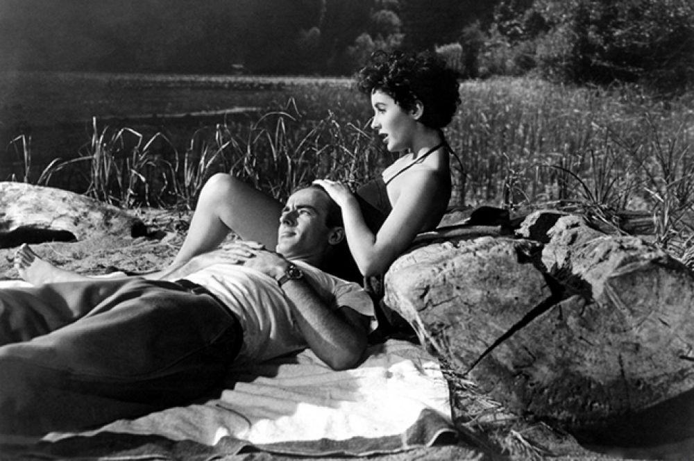 Поначалу критики относились весьма скептически к актёрским способностям юной красавицы, но участие Тейлор в драме «Место под солнцем» (1951) с Монтгомери Клифтом заставило их изменить своё мнение.